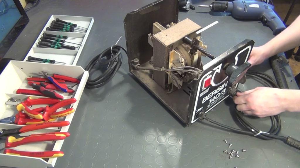 Transformer based welder